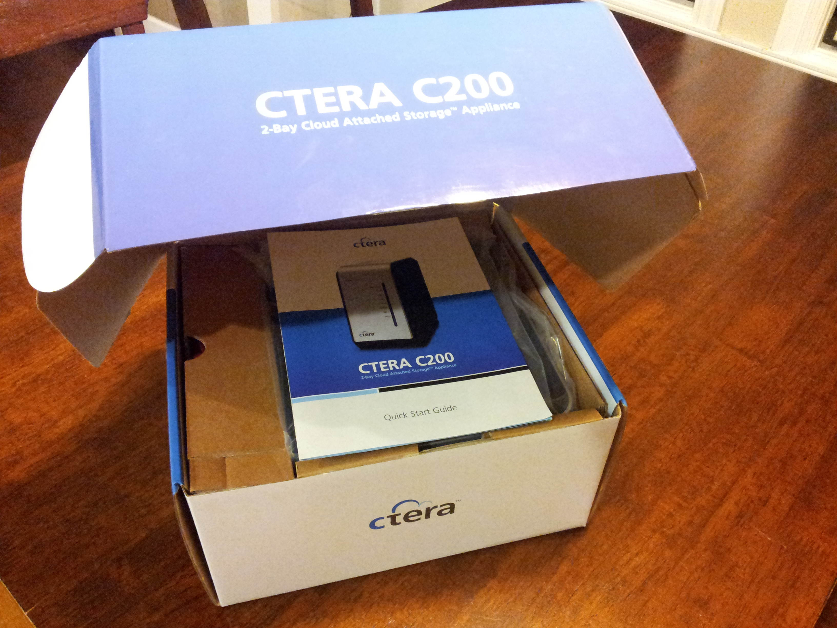 CTERA-C200-C400-C800-CloudPlug-Review-Half-Opened-Box-with-Quck-Start-Guide