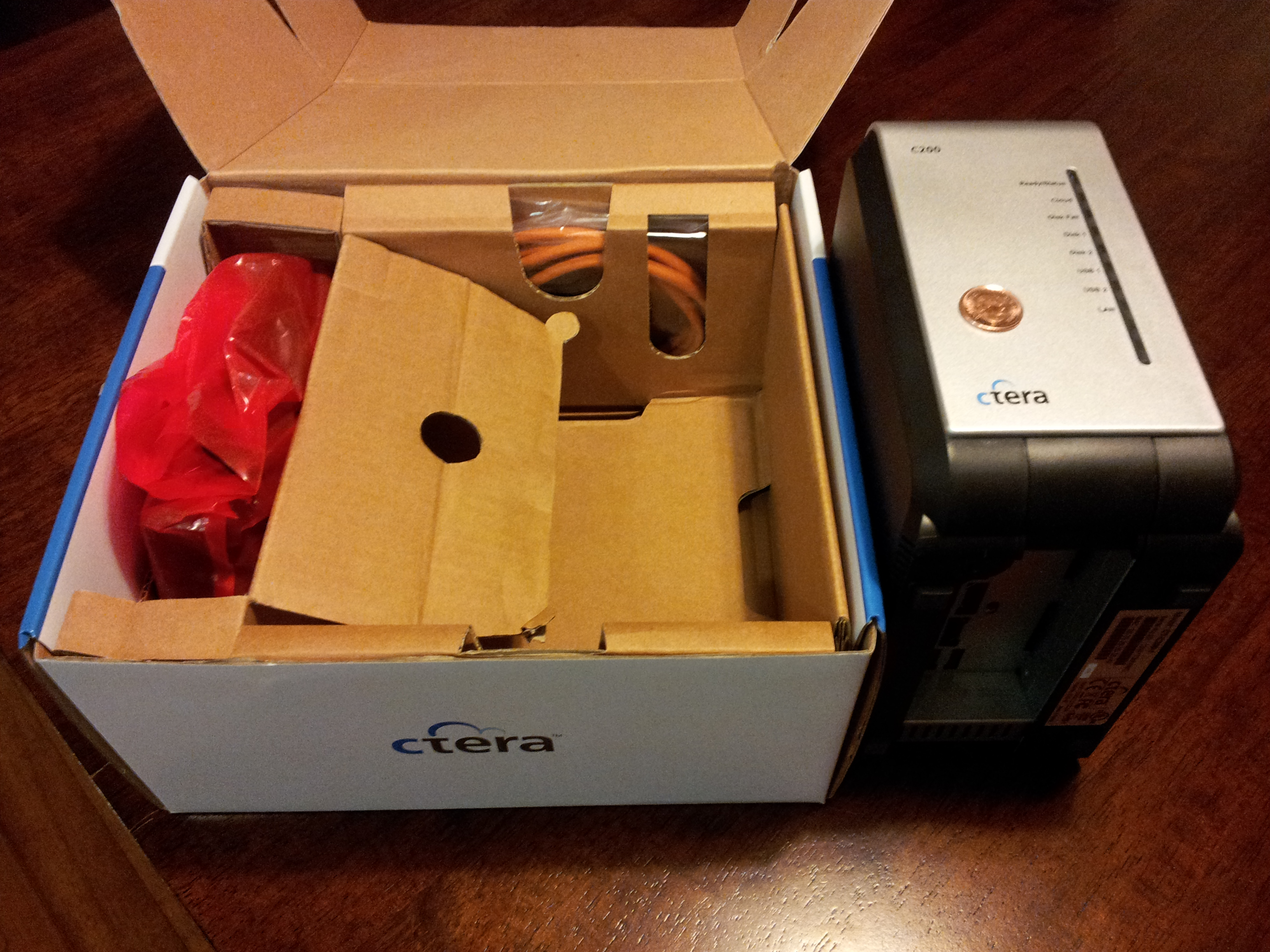 CTERA-C200-C400-C800-CloudPlug-Review-C200-Box-Contents
