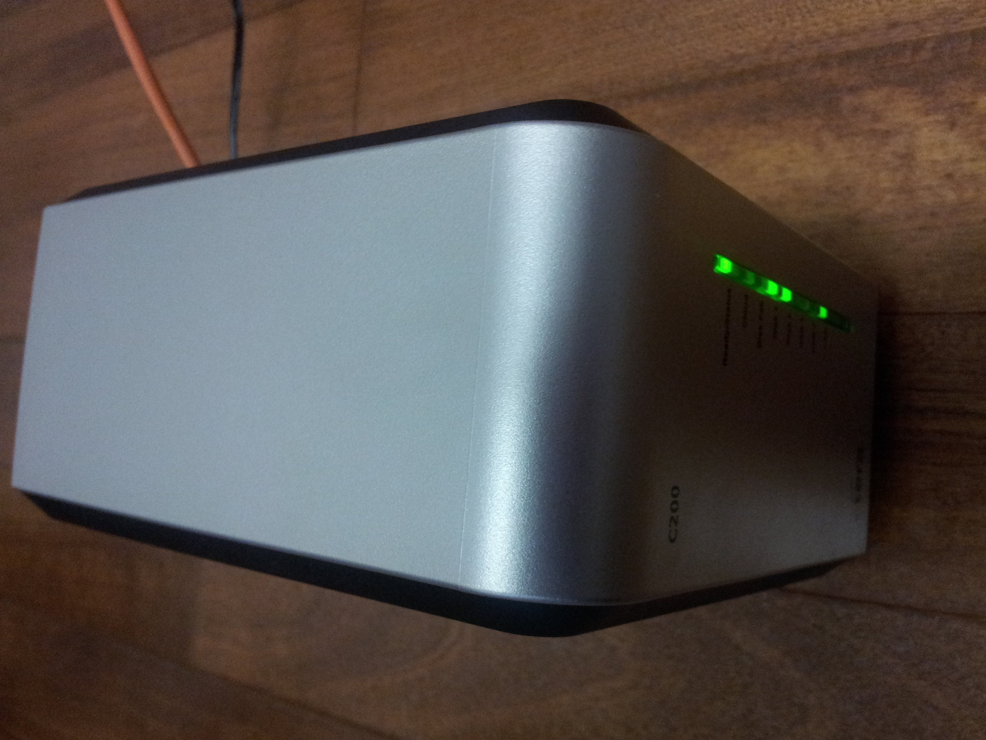 CTERA-C200-C400-C800-CloudPlug-Review-C200-Running-Front-End-of-Appliance